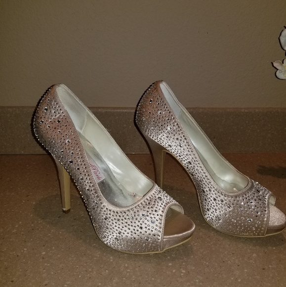 Shoes - Champagne High Heels